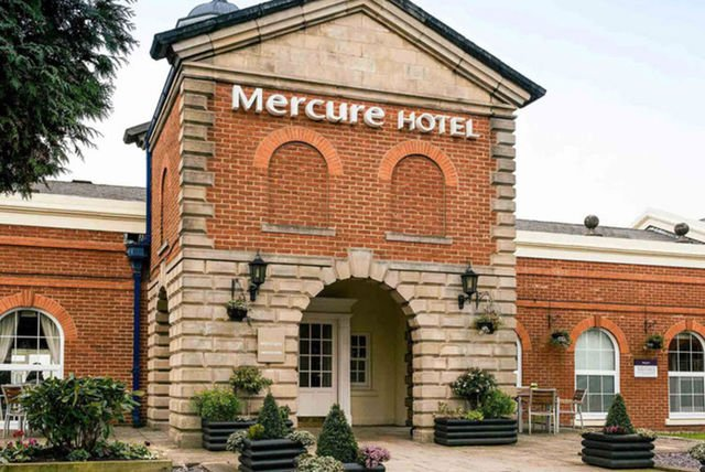 4* Mercure Haydock: 2-Course Dinner, Wine & Late Checkout for 2