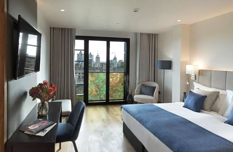 London: Studio or Suite for Up to 4 with Breakfast and Option of Spa Treatment or Dinner at 5* Tower Suites Blue Orchid
